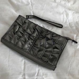 Handbags - Ruffled clutch